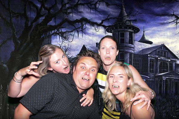 Photo Booth Hire Melbourne, Sydney, Brisbane, Gold Coast